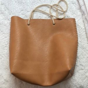 Handbags - Faux leather tote